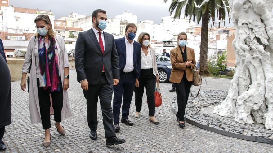 Ribera: «La región está en el mapa del plan para impulsar el coche eléctrico»