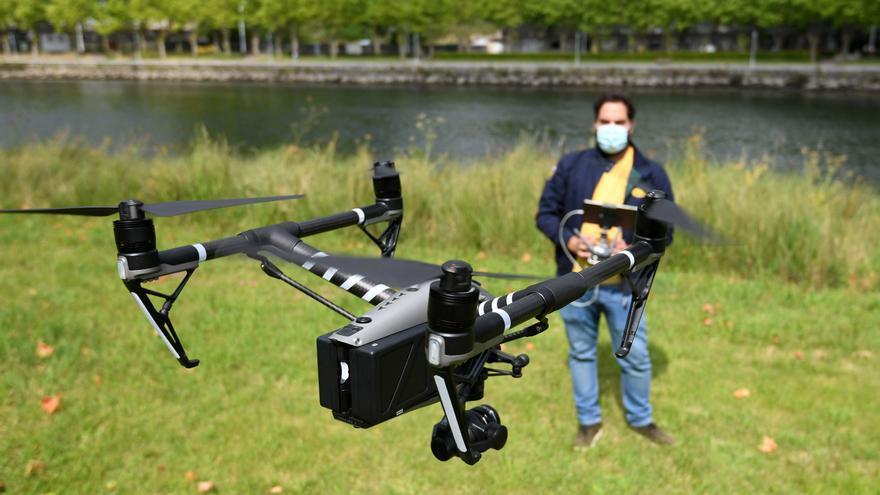"""El """"agente"""" dron alza el vuelo para vigilar desde el cielo"""