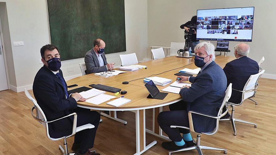 El Gobierno pide a la Xunta que el próximo curso sigan los 2.300 docentes de refuerzo
