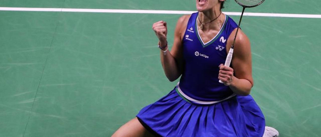 Carolina Marín celebra su segundo triunfo en Talilandia.   Efe
