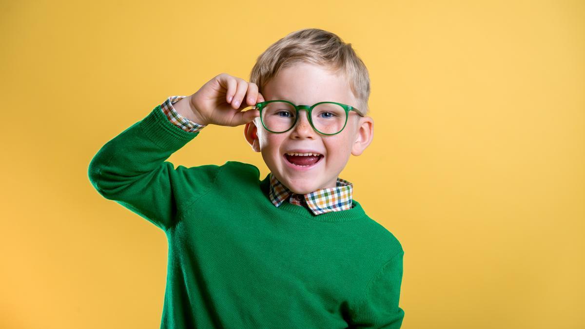 La progresión en un año de la miopía infantil es mayor en menores de diez años.