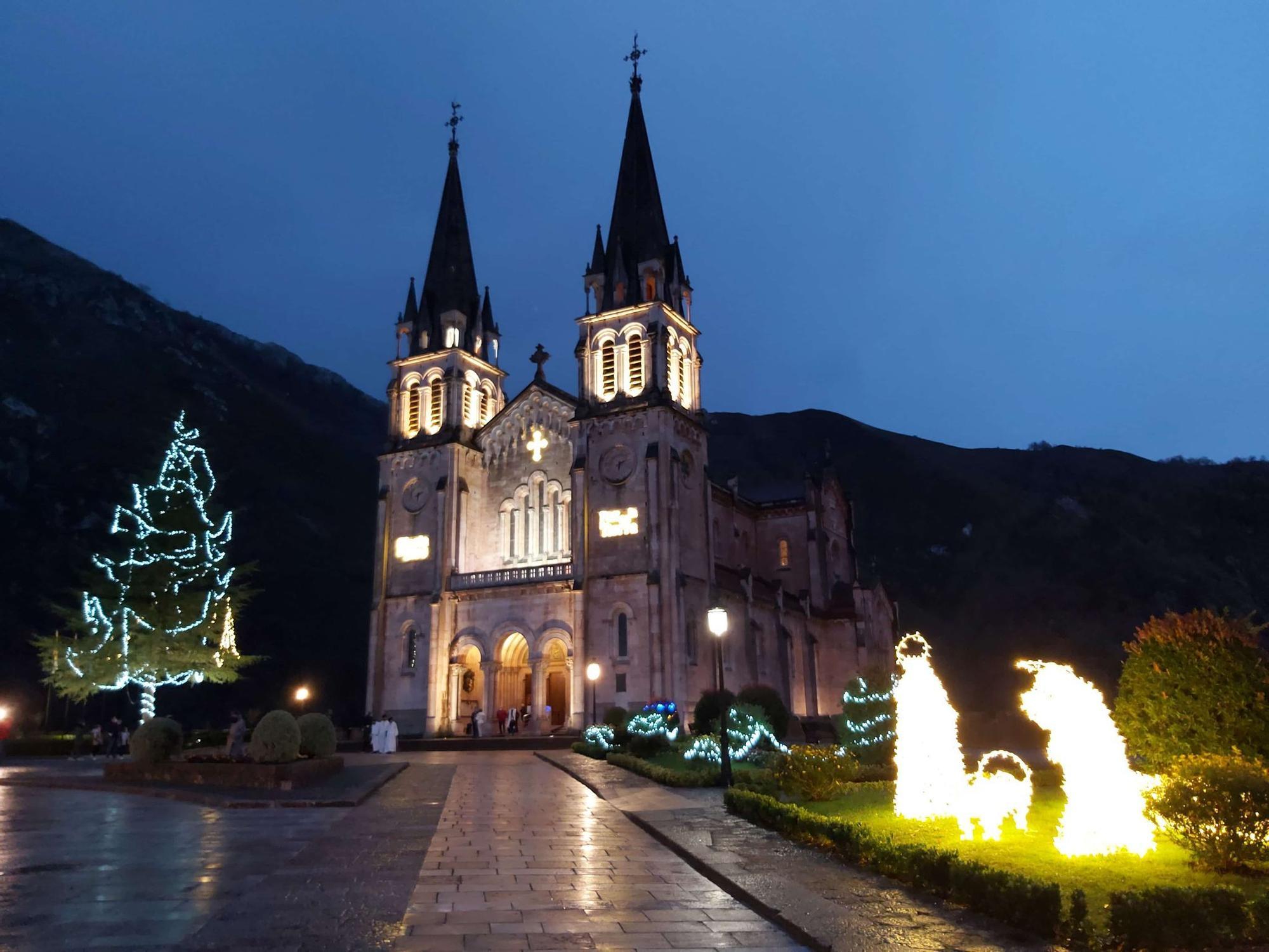 Covadonga, con su artístico alumbrado navideño