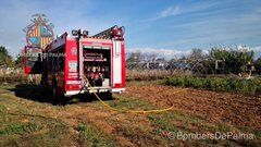 Jornada de incendios: arden un contenedor, un coche y unos invernaderos