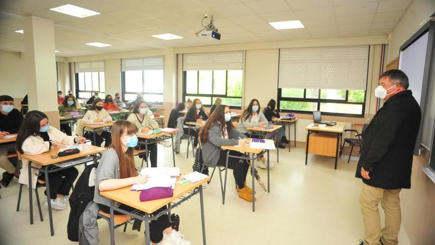 Los alumnos del Castro Alobre de Vilagarcía estrenan aulas más amplias