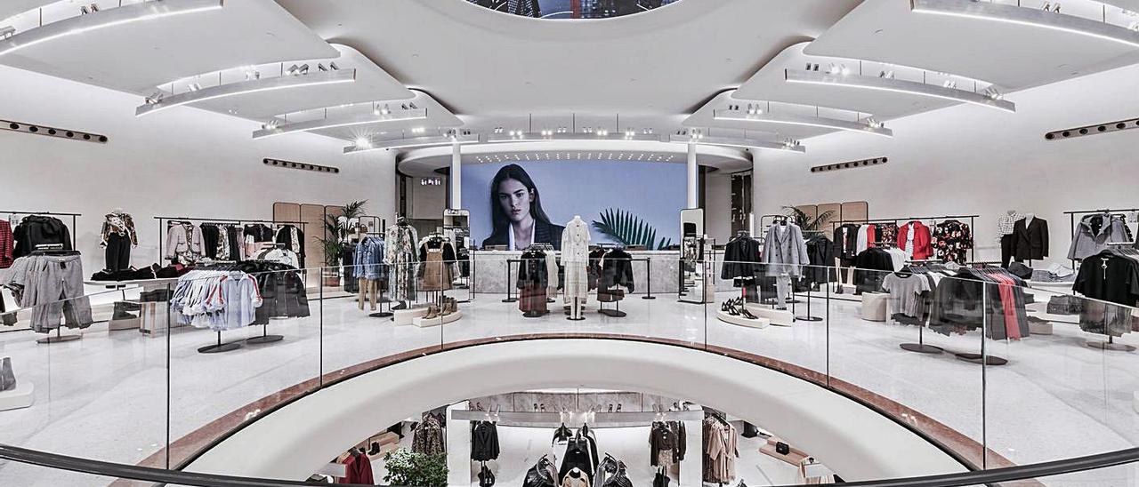 Interior de una tienda de Zara en Milán. |   // FDV