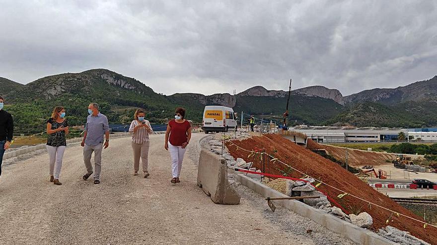 El puente del paso a nivel de Xeresa abrirá este mismo año
