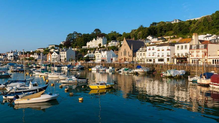 Francia y Reino Unido envían buques militares al canal de la Mancha en plena disputa por la pesca