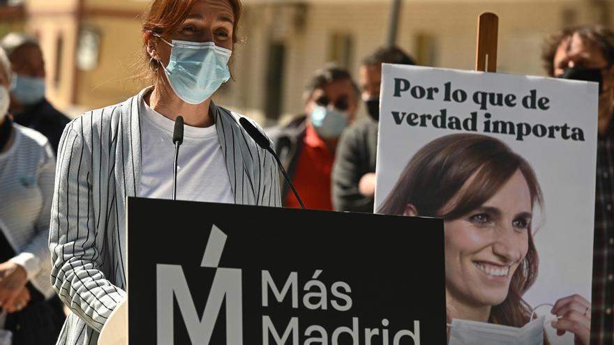 Mónica García dice que Ayuso ve más importante que se vacune un rico a un enfermo