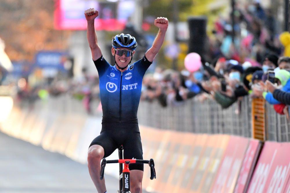 Las imágenes de la 17ª etapa del Giro de Italia.