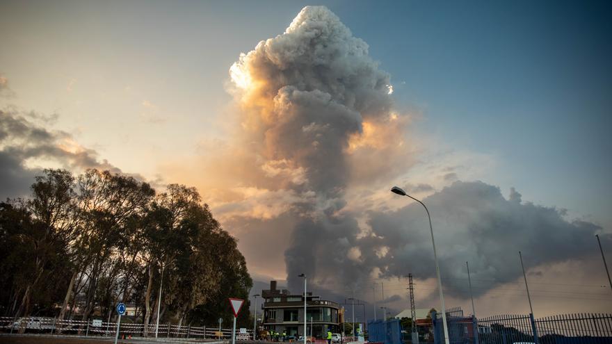 Canaryfly suspende los vuelos con La Palma por la nube de ceniza volcánica