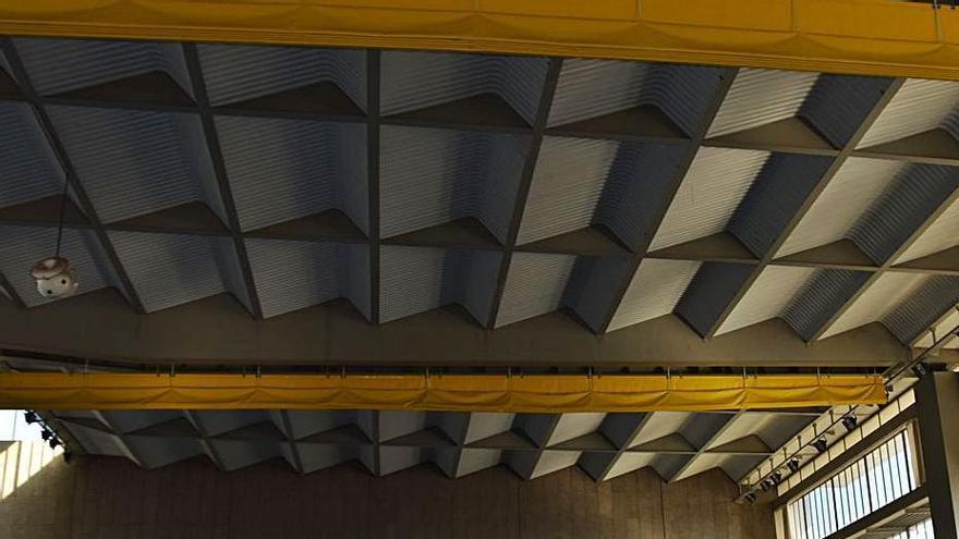 El pavelló de Berga tindrà una teulada nova al principi   de l'any que ve