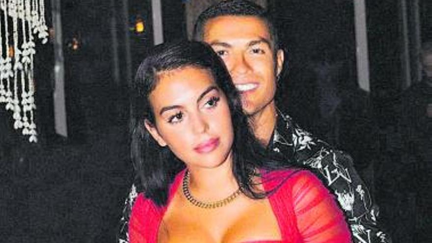 Cristiano Ronaldo felicita con ramos de rosas a Georgina para celebrar su 27 cumpleaños
