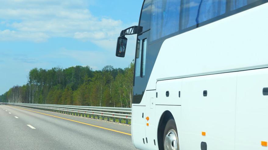 Da positivo por cocaína el chófer de un autobús con 42 escolares asturianos