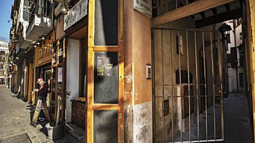 Sackgassen voller Geschichte in der Altstadt von Palma de Mallorca