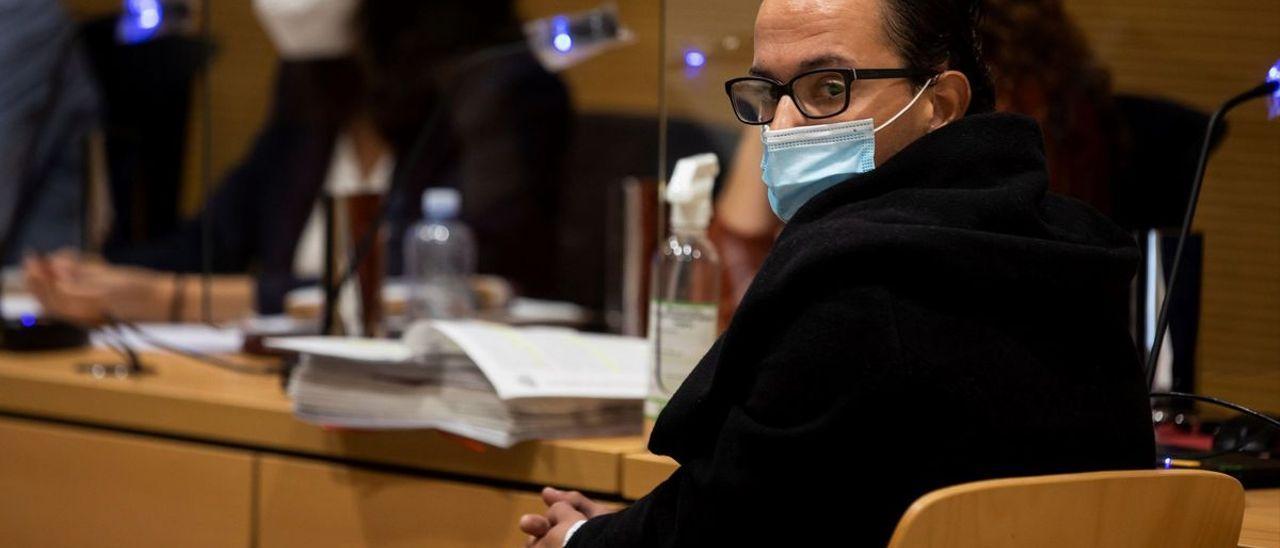 La Audiencia de Las Palmas ha comenzado este lunes el juicio ante Jurado contra Jonathan de Jesús R.S., acusado de haber asesinado a su prima Vanessa Santana en Fuerteventura el 4 de junio de 2018.