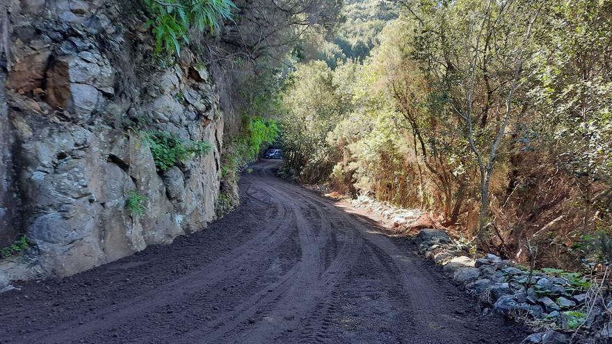 Asfaltado de la carretera entre Gallegos y Las Mimbreras