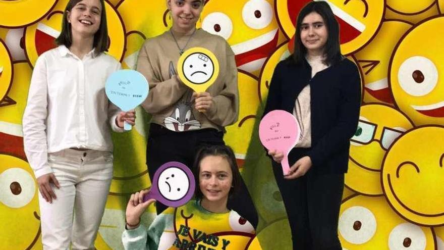 """Cuatro alumnas del IES Los Sauces ganan el concurso """"CiberChallenge Internet Segura"""""""