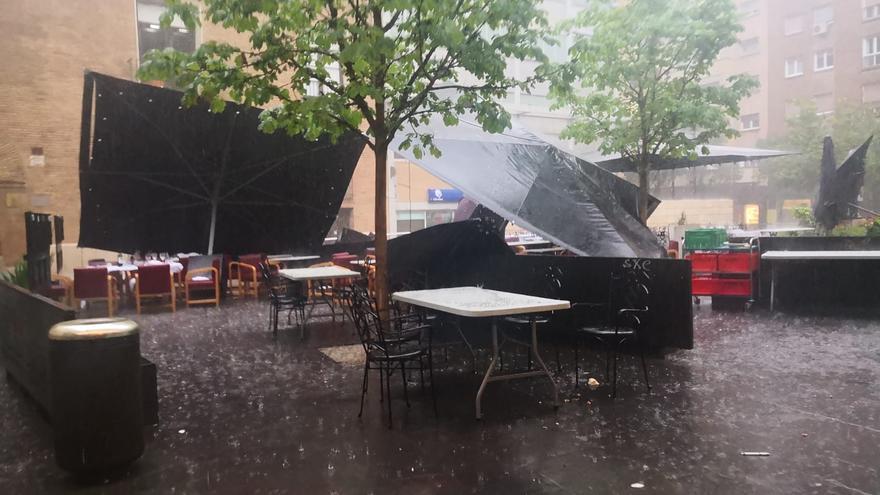 Fuerte tormenta en la capital aragonesa