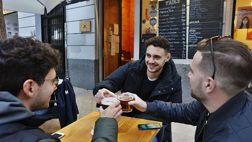Los bares piden abrir dos horas más a partir de este domingo
