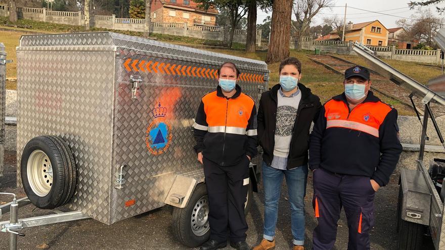 Protección Civil Catoira ya presume del nuevo remolque para emergencias