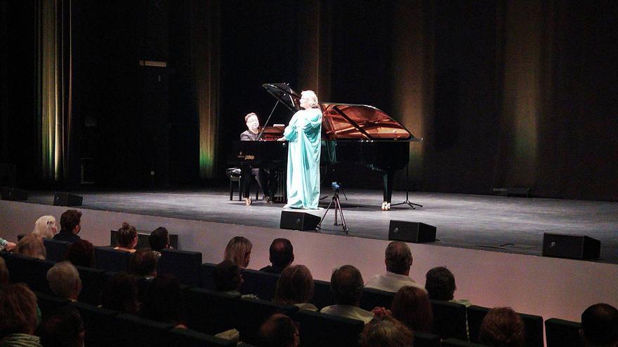 Ainhoa Arteta, la estrella del Palau de Congressos