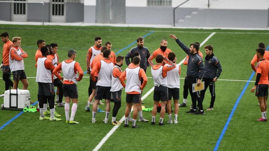 El Pontevedra suspende los entrenamientos del primer equipo