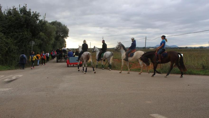 La tradicional romería de Binissalem a Sencelles reúne a un centenar de personas