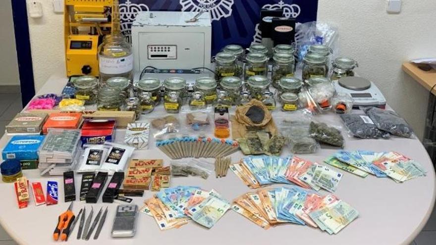 Desarticulado en Estepona un punto de venta y consumo de drogas que operaba como un club cannábico