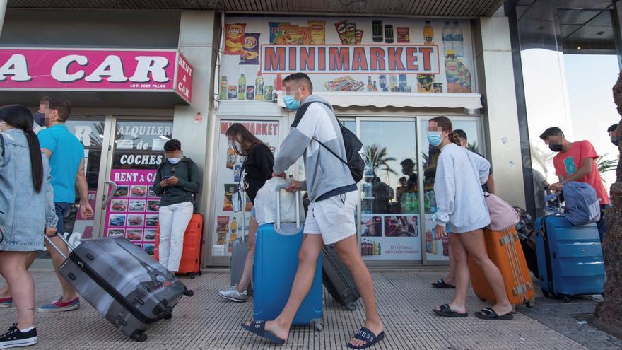 Corona-Ausbruch auf Mallorca: Aufs Festland zurückgeschickt