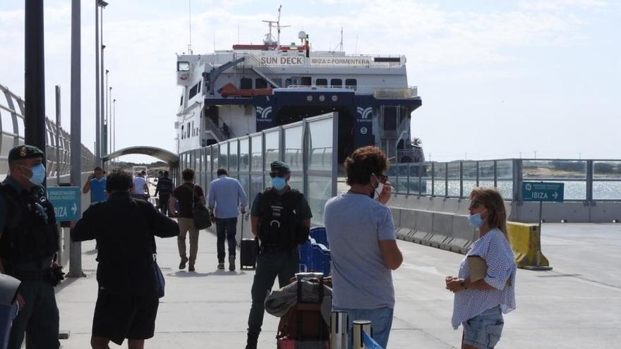Los pitiusos podrán volver a viajar entre islas sin restricciones a partir del lunes