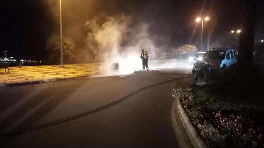 Incendio de contenedores en Ciudad Alta