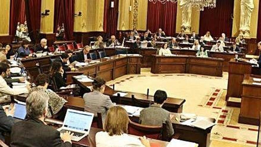 La izquierda rechaza todas las propuestas del PP para mejorar la financiación de Ibiza