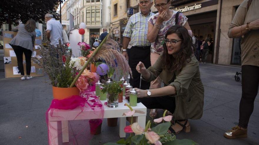 La plaza Sagasta acoge un circuito sensorial previo al Día Mundial del Alzheimer