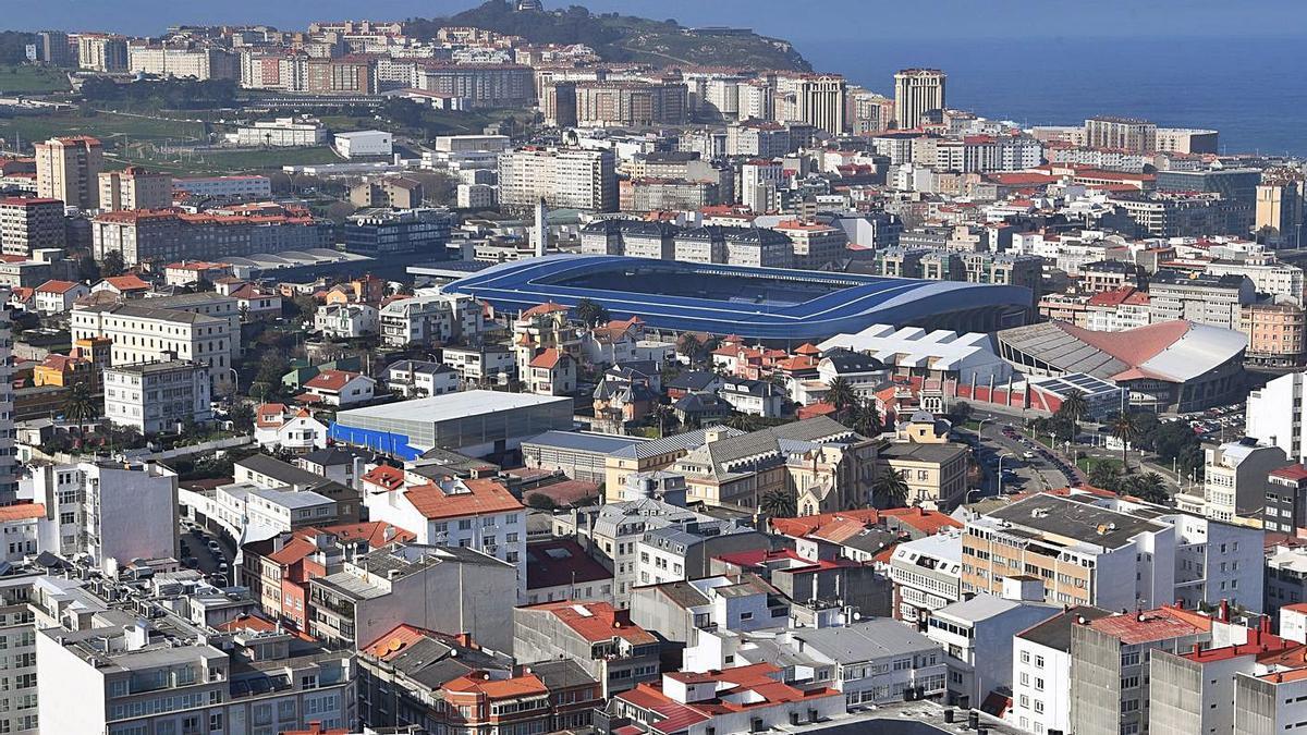 Vista aérea de los barrios de Riazor y Os Rosales   | // CARLOS PARDELLAS