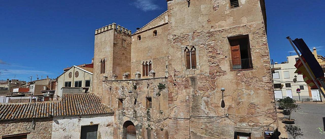 Albalat urge al Consell a actuar en el Palacio tras los desprendimientos