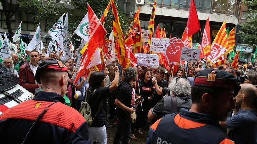 Els funcionaris catalans cobraran la paga extra del 2014 «abans d'acabar l'any»