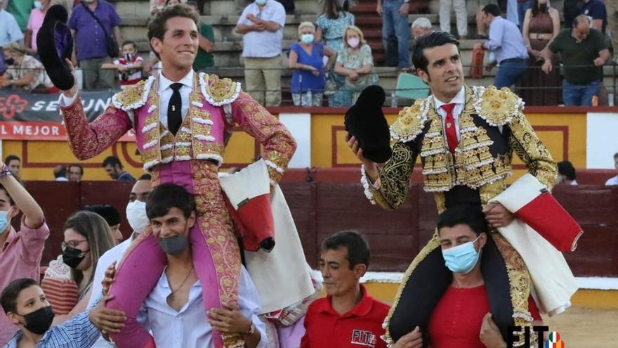 Gran tarde de toros en Badajoz con toreros en sazón