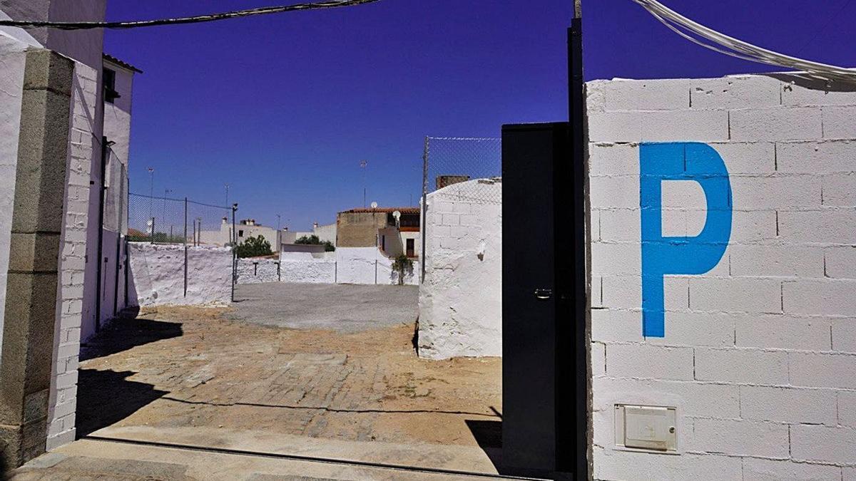 Acceso al nuevo aparcamiento municipal de Pozoblanco.