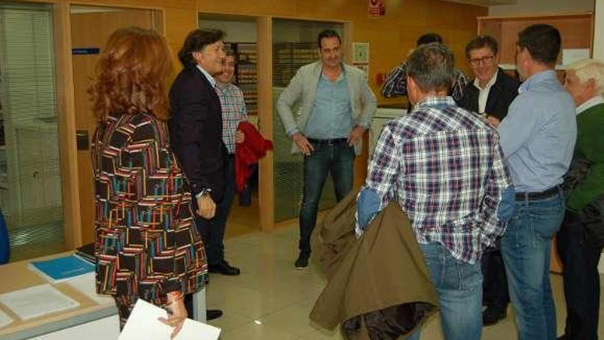 La Xunta celebra con la junta directiva el cumpleaños centenario del Antela