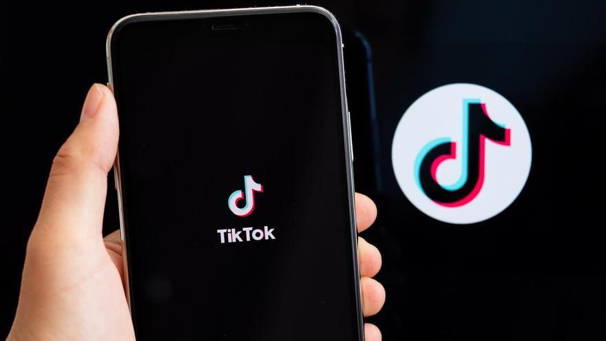 El Gobierno de EEUU prohíbe la distribución de TikTok y WeChat desde el domingo