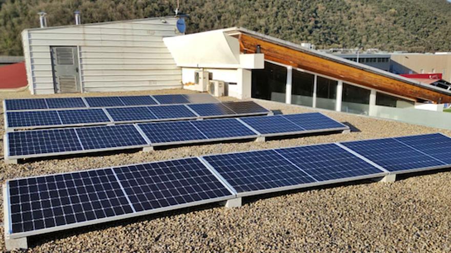 Les plaques fotovoltaiques augmenten un 126 % a  la Garrotxa en dos anys
