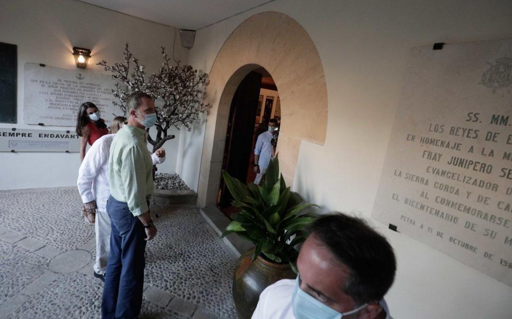 Die Königsfamilie besucht Petra auf Mallorca