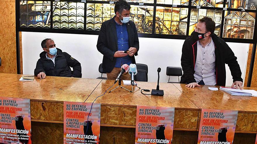 """Los sindicatos avisan a Alu Ibérica de que no tolerarán la """"espiral de violencia empresarial"""""""