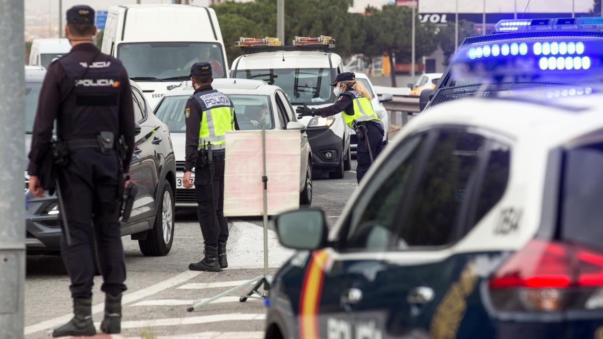 Restricciones en Alicante, Valencia y Castellón: El Consell valora levantar los cierres perimetrales de fin de semana.