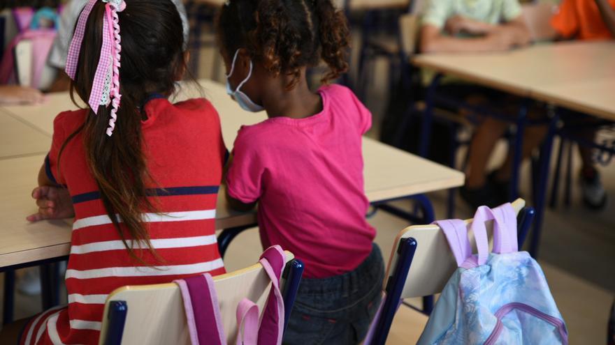 """El colegio sigue siendo territorio materno: """"En las tutorías, más del 90% son mujeres"""""""