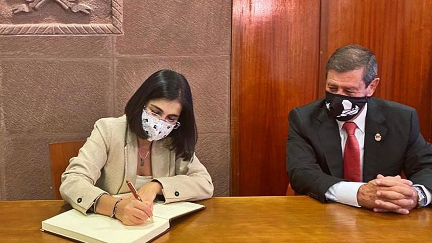 Darias anuncia en Tejeda un futuro estatuto de pequeños municipios