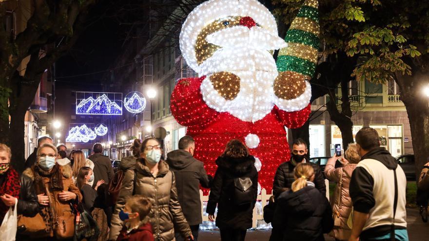 """Gijón presume de luces de Navidad: """"Dan vida a la ciudad"""""""