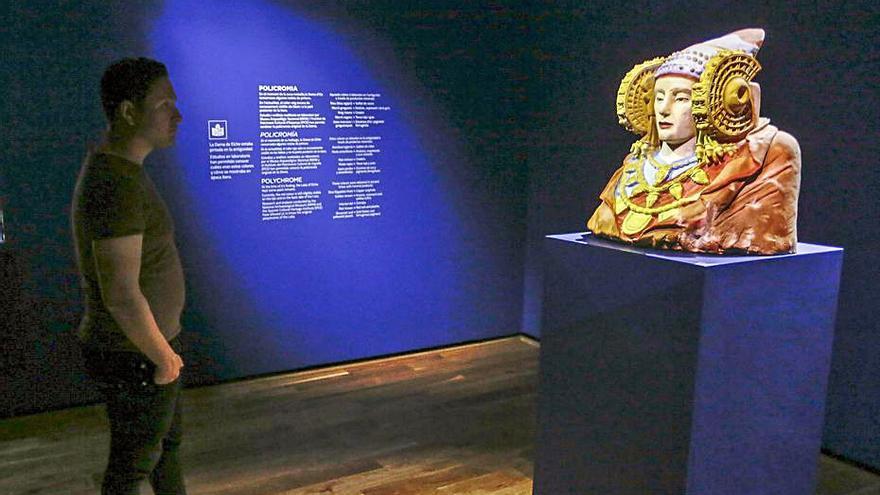 Una réplica de la Dama encabeza una muestra íbera en Barcelona
