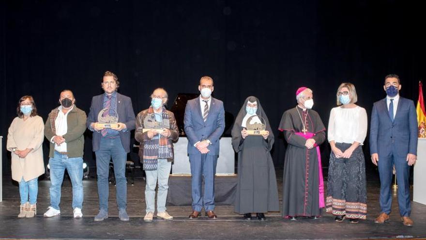 Tui entrega los premios de la ciudad en una gala en el teatro municipal