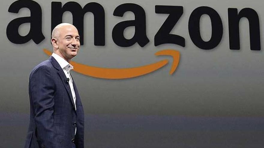 Bezos deja de ser consejero delegado de Amazon y se quedará como presidente